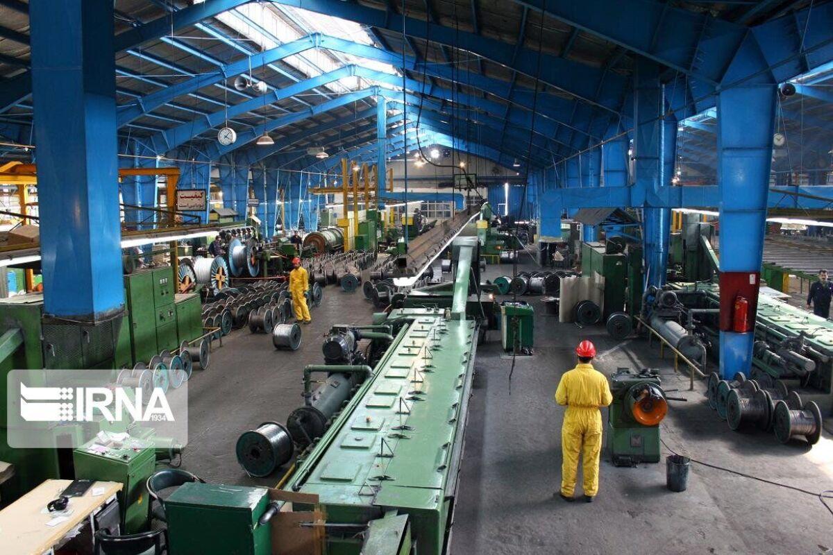 ساخت 407 طرح صنعتی بالای 60درصد در قم دنبال می شود.